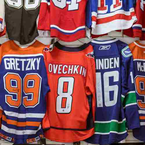Hockey Jerseys M